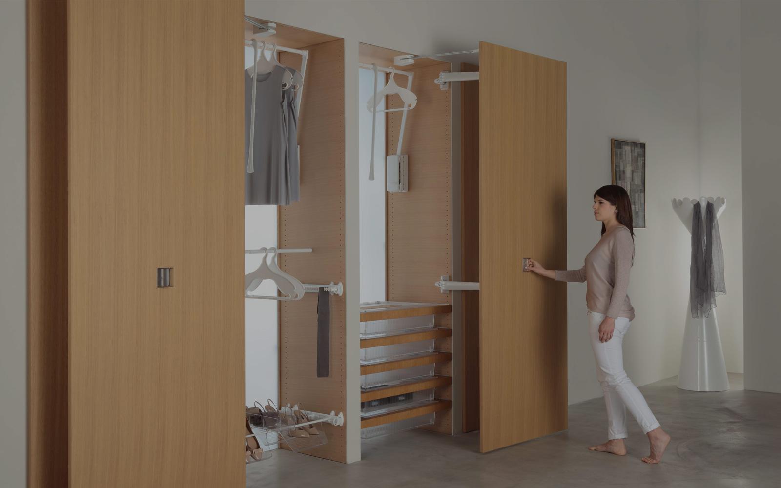 Portaborse Per Armadio Ikea.Home Servetto L Ascensore Nell Armadio